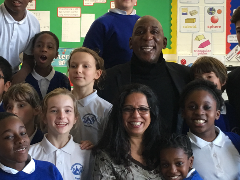 Colin & Shobu Kapoor With Pupils At Queensbridge Primary